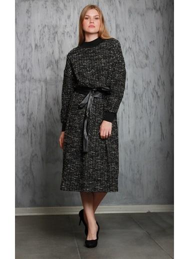 JEANNE D'ARC Deri Kemerli Yakası Ve Manşeti Ribana Detaylı Örme Kumaş Elbise  Siyah
